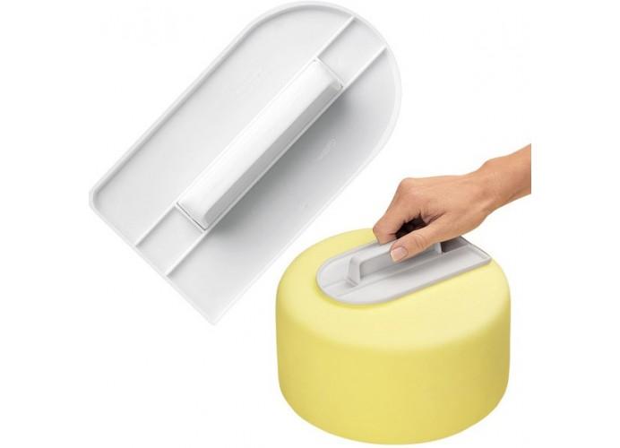 Straightener for paste fondant